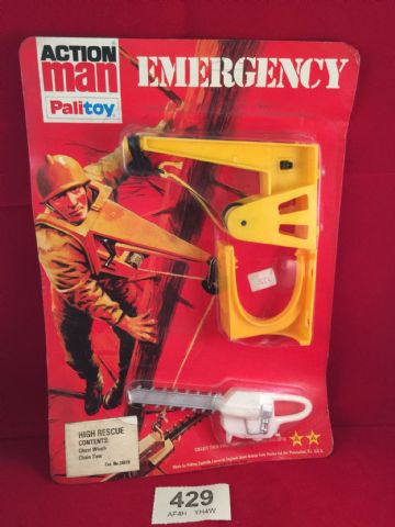 VINTAGE ACTION MAN -  HIGH RESCUE Chest Winch & Chain Saw - EMERGENCY SERIES Still On card (ref 429)